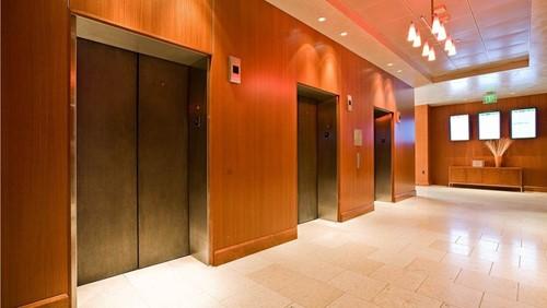 چگونه از وضعیت استاندارد آسانسور ساختمانمان مطلع شویم؟